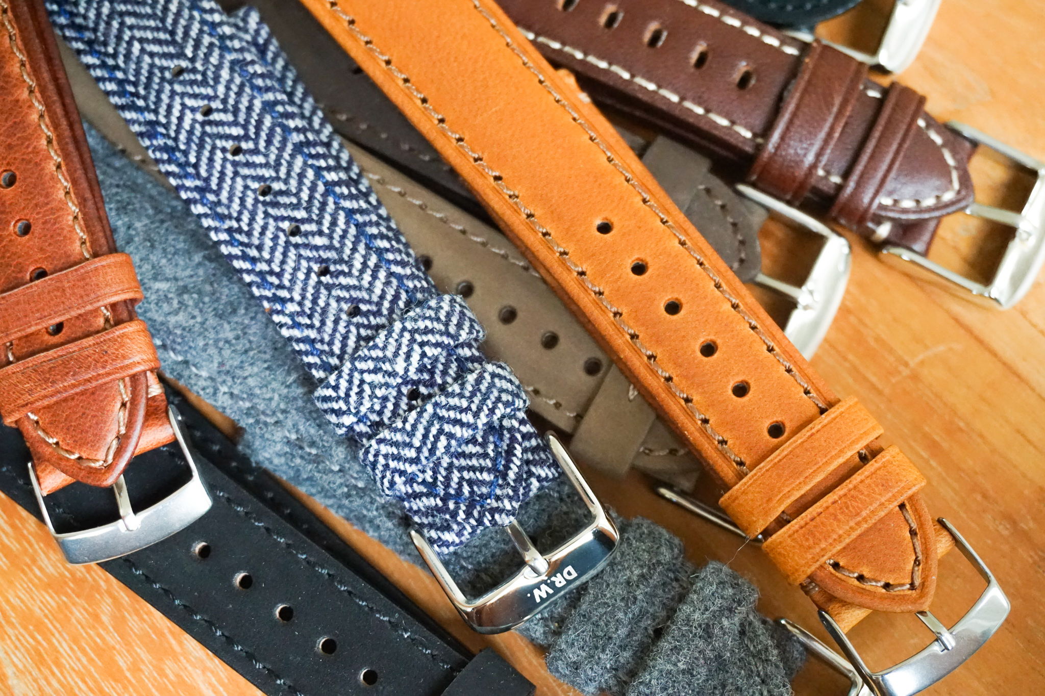 DR.W.-watch-modular-pocket-wrist-straps